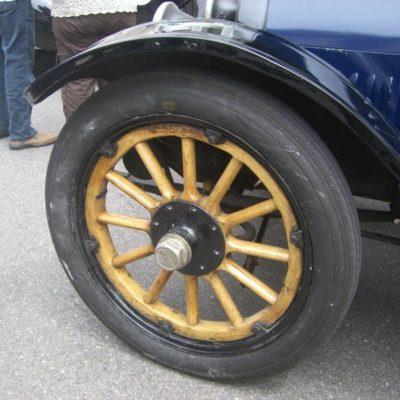 052_Automobile
