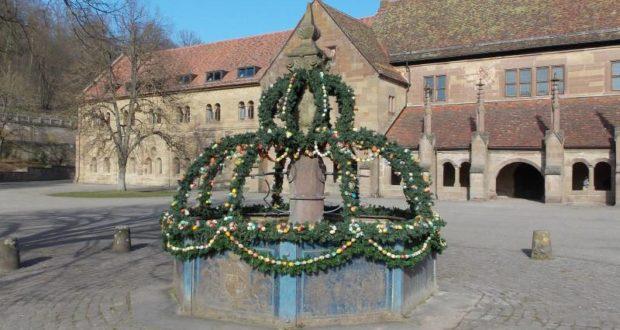 KlosterBrunnenMitOsterschmuck2