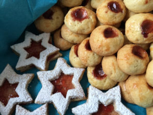 Weihnachtsplätzchen: Spitzbuben und Kolatschen / Foto: Larissa Vassilian